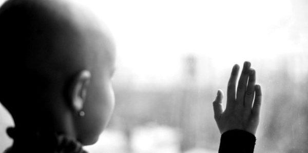 СМИ: Семья с онкобольными детьми уехала из дома в Конькове из-за травли