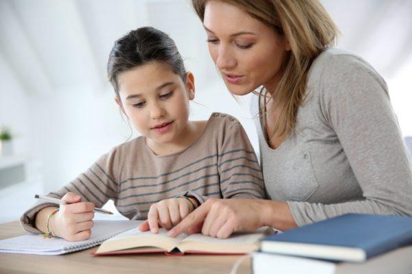 «Знаний и мотивации нет, в школе им просто скучно» – почему родители выбирают домашнее образование