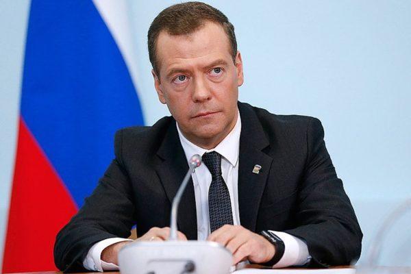Медведев: Пенсионная реформа – самое трудное решение власти за 10 лет