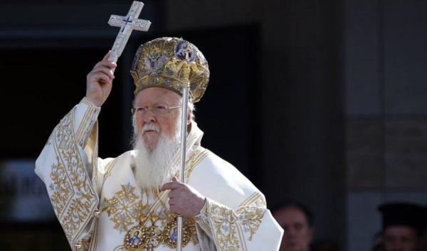 СМИ:  Порошенко пообещал Константинополю  десятки храмов по всей Украине