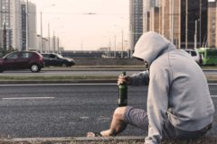 В Госдуму внесли законопроект об обязательных работах за появление пьяным в общественных местах
