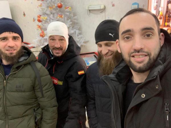 Жители Колымы спасли замерзавшего испанского велотуриста