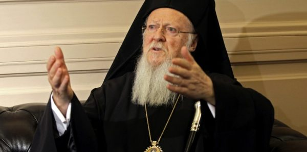 Константинопольский Патриарх назвал неканоническим решение Русской Церкви направить в Турцию священника