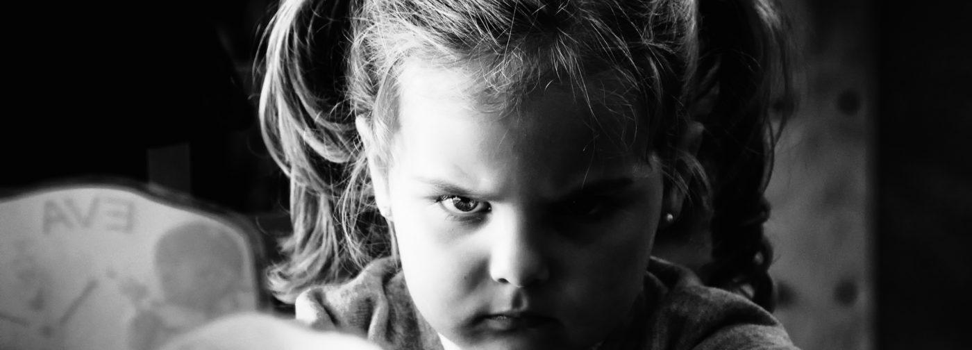 Плохо спит и огрызается — что скрывает плохое поведение ребенка