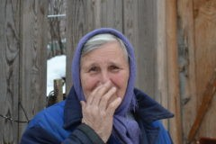 «Десять лет тянула детей, а теперь – преступница». Как бабушку сирот обвинили в растрате