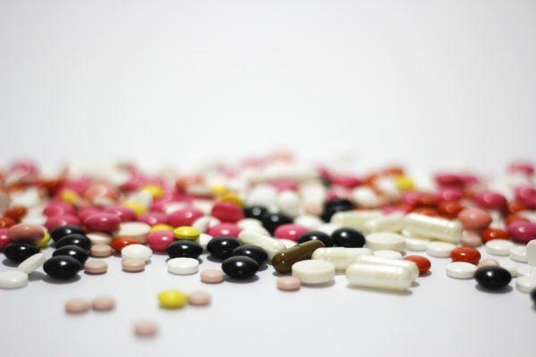 Десятки петербургских врачей подозревают в нелегальной продаже препарата для онкотерапии