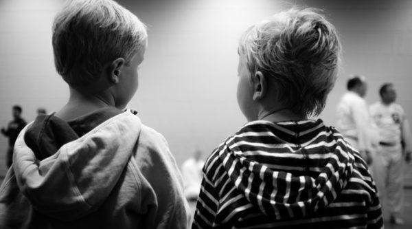 Фото пары малышей