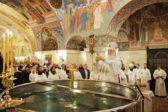 Патриарх Кирилл: Освященная в Крещение вода есть зримый знак присутствия Духа Святого в роде…