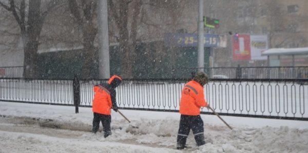 Мэр Саратова проверил уборку снега: поехал на работу на автобусе и опоздал