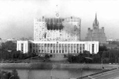 Опрос: Россияне стыдятся бедности, хамства и распада СССР
