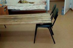 Пензенской больнице пришлось соорудить кровати из стульев и досок из-за нехватки мест