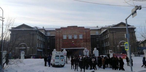 Массовые эвакуации из-за сообщений о бомбах проходят в шести регионах Сибири