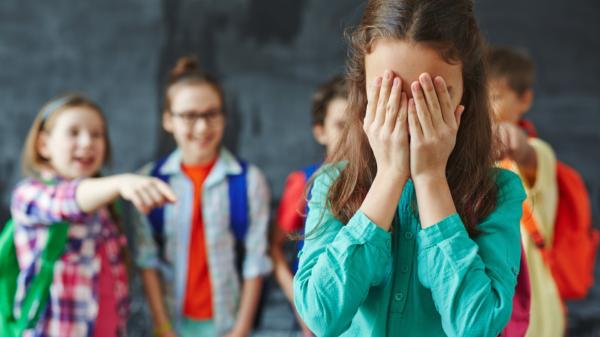 ЮНЕСКО: Чаще всего дети становятся жертвами травли из-за внешности
