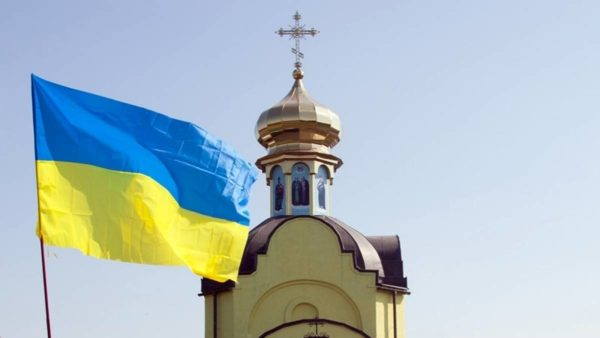 Радикалы и сторонники ПЦУ захватили на Черниговщине храм Украинской Церкви