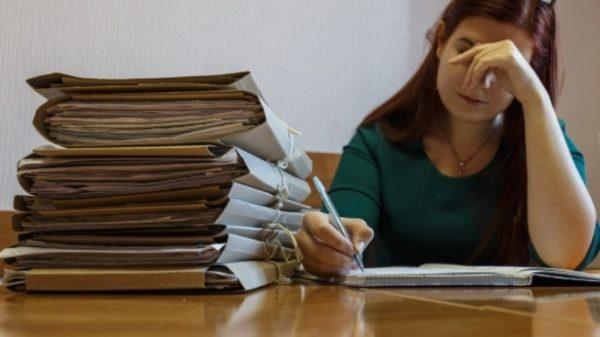 Минпросвещения предлагает разгрузить учителей от бумажной работы