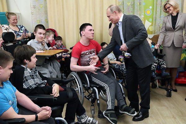 Владимир Путин: Деньги на паллиативную помощь с этого года будут выделяться регулярно