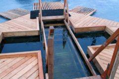 В Москве оборудуют 60 площадок для купаний на Крещение