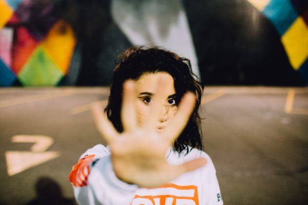 Психолог Екатерина Бурмистрова рассказывает, почему мы срываемся и кричим.