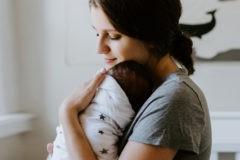 Истории о пустоте, которую можно преодолеть, только прижав ребенка к груди
