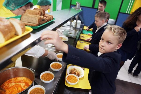 Чиновница из Новокузнецка: Меню ребенка в школьной столовой зависит от финансовых возможностей родителей