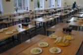 Нет денег на еду: Кемеровский омбудсмен рассказал о голодных обмороках у школьников