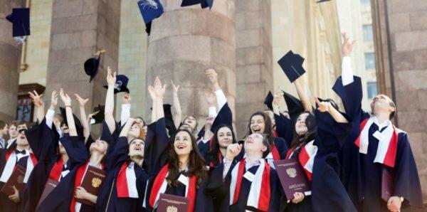 Вице-премьер: Почти треть выпускников не могут найти работу в первый год после окончания вуза