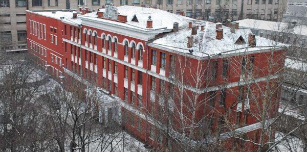 Три третьеклассницы попали в больницу после драки в московской школе