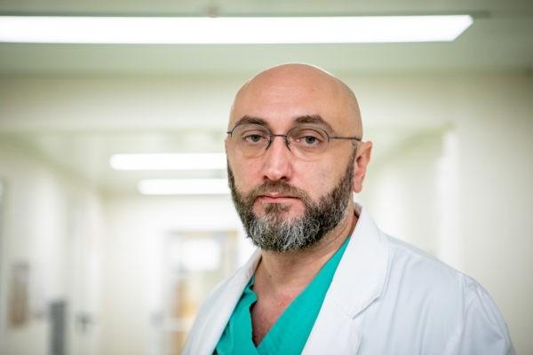 «Разрыв аорты может стать фатальным за секунды». Врач Морозовской больницы – об уникальной операции на сердце девочки