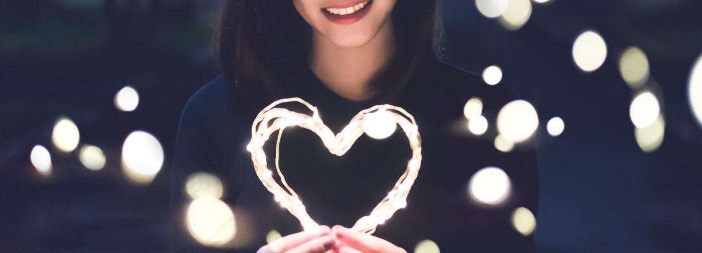 День святого, любви или плюшевых сувениров? Почему мы любим в связи с датой