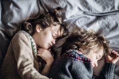 Во сколько идут в кровать ваши дети? Что говорит наука о пользе распорядка дня