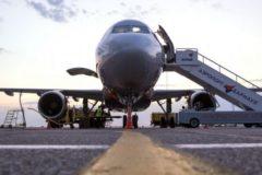 В аэропорту Барнаула шесть человек получили травмы из-за обрушившегося трапа