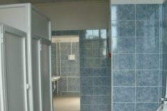 В Приморье родители школьников избили хулигана-пятиклассника в туалете