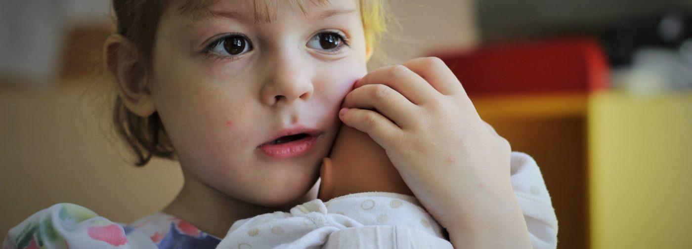 Дети-сироты – стало ли их меньше и про что молчит статистика