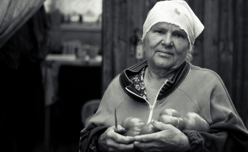 «Я не даю тебе котлеты, сумасшедшая, я сделала тебе миниклеты!», — кричала мне бабушка Оля в ответ