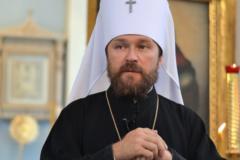 Митрополит Иларион: В храмах не должно быть прейскурантов на таинства и требы