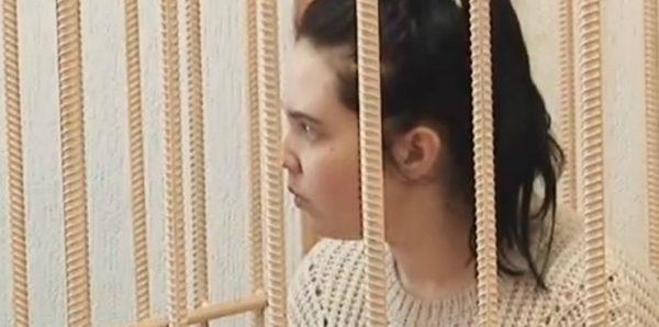 Мать погибшей в Кирове девочки частично признала вину