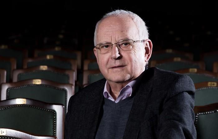 «Театр существует только ради контакта людей». Режиссер Алексей Бородин – о самоиронии, всеобщей справедливости и жизни без нытья