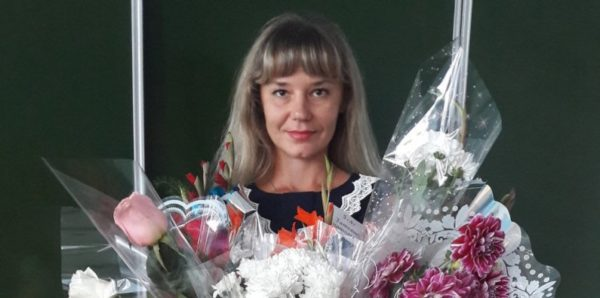В алтайском министерстве вступились за учительницу, уволенную из-за фотографии в купальнике