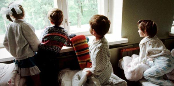 Почти 93% московских детей-сирот живут в приемных семьях