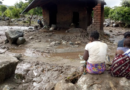 """""""Без воды, без хлеба, без дома, без света, без банков, без дорог"""". Люди пытаются вернуться к жизни после наводнения в Мозамбике"""