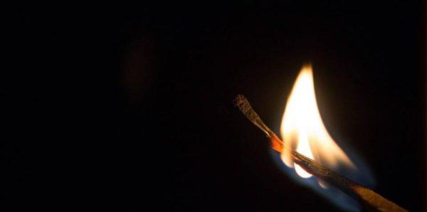 Сирота из Белгорода попытался сжечь себя перед зданием областного правительства