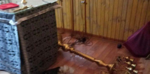 В Киеве ограбили и осквернили храм Украинской Православной Церкви