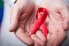 Профильный комитет Госдумы поддержал законопроект, разрешающий усыновление людям с ВИЧ