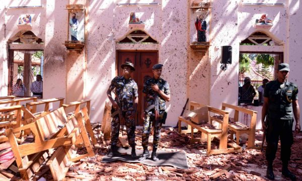 """""""Это был полный хаос"""". Во время взрывов на Шри-Ланке погибли почти 300 человек"""