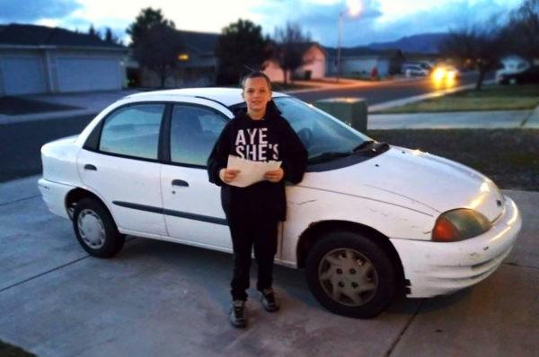 «Мама, я купил тебе машину». Ради подарка маме мальчик отдал свой Xboх