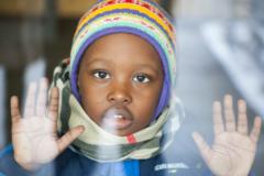 «Русский язык не знаешь — учиться не сможешь»: как дети беженцев живут в Москве