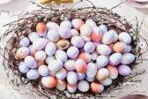 Мраморные, узорчатые и золотые. 10 необычных способов покрасить яйца