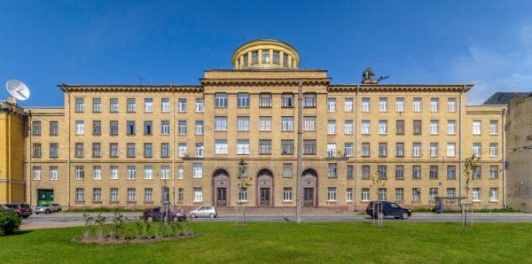 В Петербурге произошел взрыв в Военно-космической академии