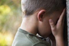 Прокуратура Новосибирской области проверит, почему мальчика с ВИЧ не приняли в школу