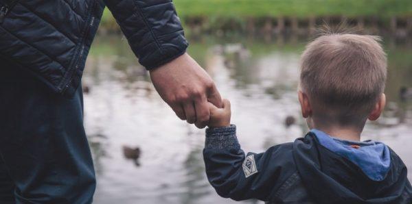 Госдума приняла закон об усыновлении детей людьми с ВИЧ и другими заболеваниями